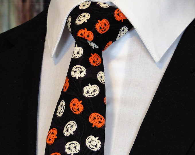 Halloween Neck Tie – Mens Halloween Necktie with Pumpkins