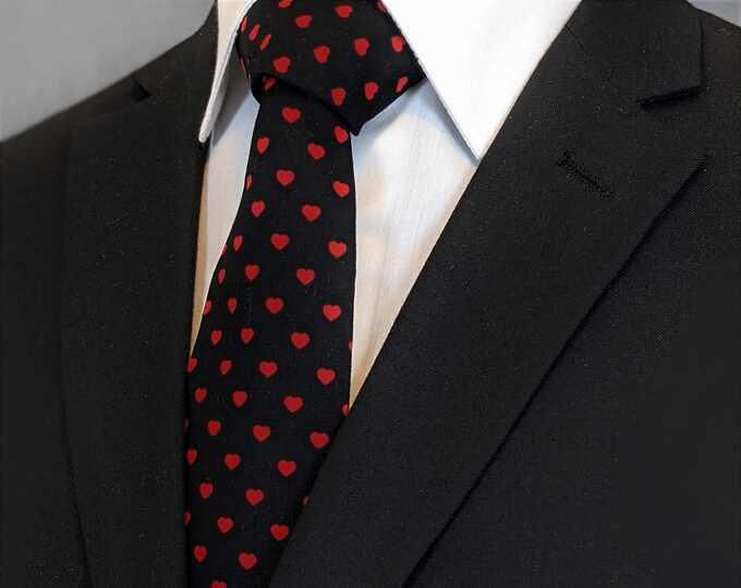 Heart Tie – Valentines Hearts Necktie, Also Available as a Skinny Tie.