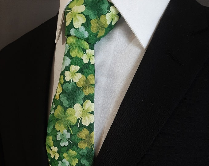 Ties for St Patricks Day – Mens Green Clover St Patricks Day Necktie, Also Available as a Skinny Tie and a Extra Long Tie.