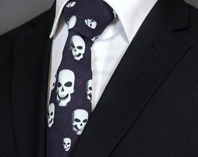Plum Gothic Skull Necktie – Mens Plum Goth Skull Tie