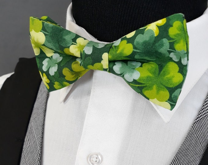 St. Patricks Day Bow Tie – Bow Tie with Green Clovers