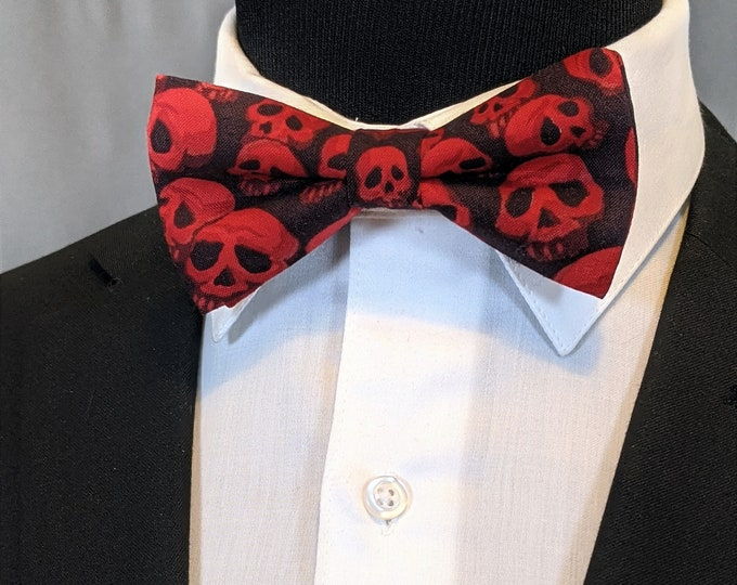 Skull Bow Tie – Red and Black Mens Skull Bowtie.