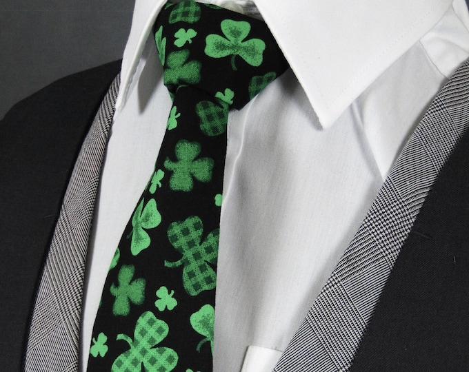 Mens St. Patricks Day Ties – Black with Green Clover Tie. Also Available as Extra Long Tie
