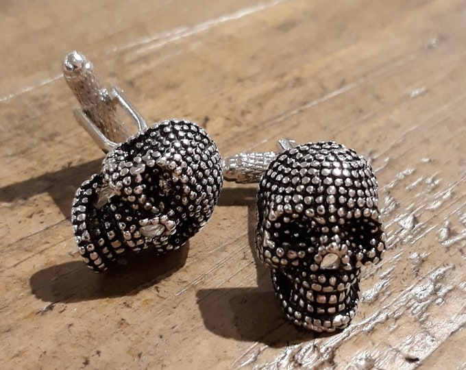 Skull Cuff Links – Mens Gothic Cuff Links