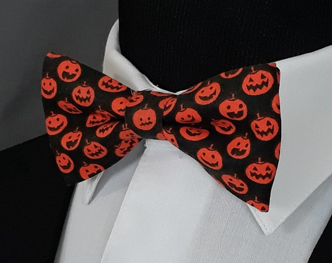 Pumpkin Bow Tie – Black with Orange Pumpkin Bowtie