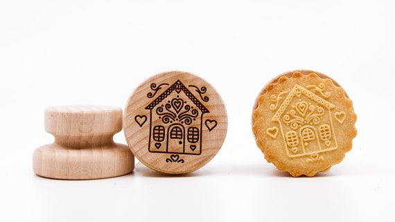 "No. 024 Wooden stamp deeply engraved ""Fairy-tale house 5"""
