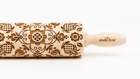 POLISH FOLK - CASSUBIA (Kaszëbë) region of northwestern Poland. Embossing Rolling pin, engraved rolling pin