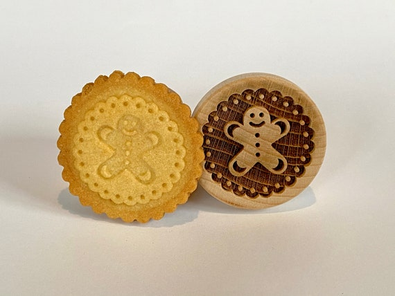 "No. 023 Wooden stamp deeply engraved ""Gingerbread Man 2"""