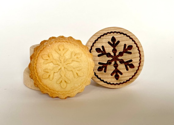 "No. 003 Wooden stamp deeply engraved ""Snowflake 1"""