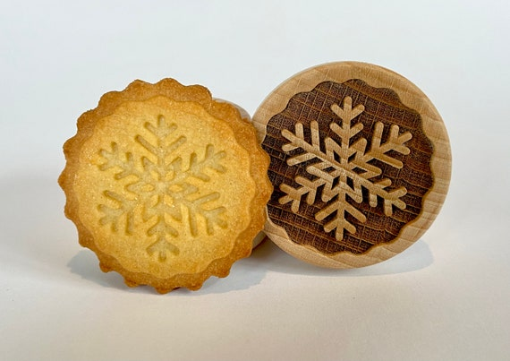 "No. 027 Wooden stamp deeply engraved ""Snowflake 1"""