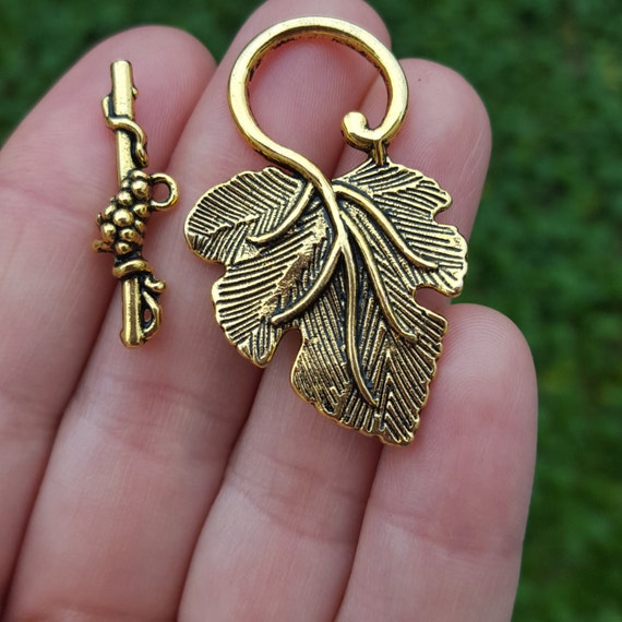 Antique Gold AG41 Brass 20mm Filigree Triangle Connectors W// 3 Loops Two
