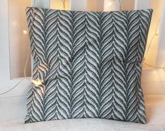 Pillowcase with feather pattern