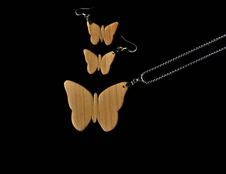 Womens wood jewelry set \u2022 Butterfly jewelry Set \u2022 Wooden pendant \u2022 Wooden earrings \u2022 Red Burl and Oak Wood \u2022 Gift For Her \u2022 Valentine Gift
