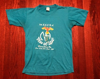 5ff438754 Small 1986 Narcotics Anonymous vintage men's T shirt Free At Last blue  white yellow 1980's Jerzees 80's Bloomsburg PA