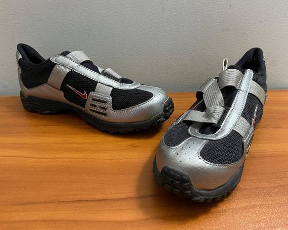 Women's 1998 Nike cycling shoes sneakers shoes la… - image 3