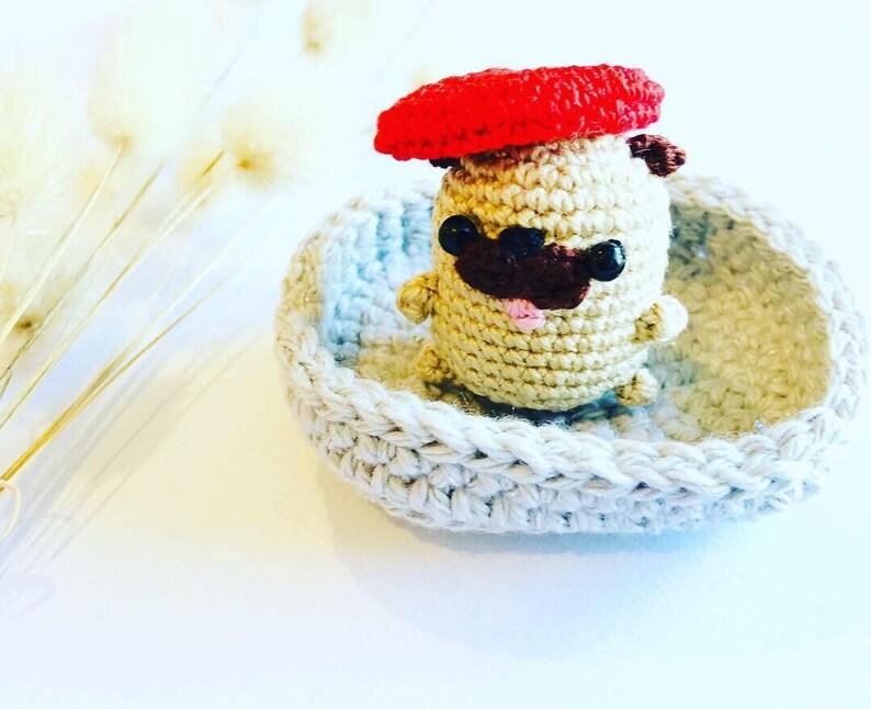 Mini Amigurumi Pug Free Crochet Pattern | móhu | 646x794