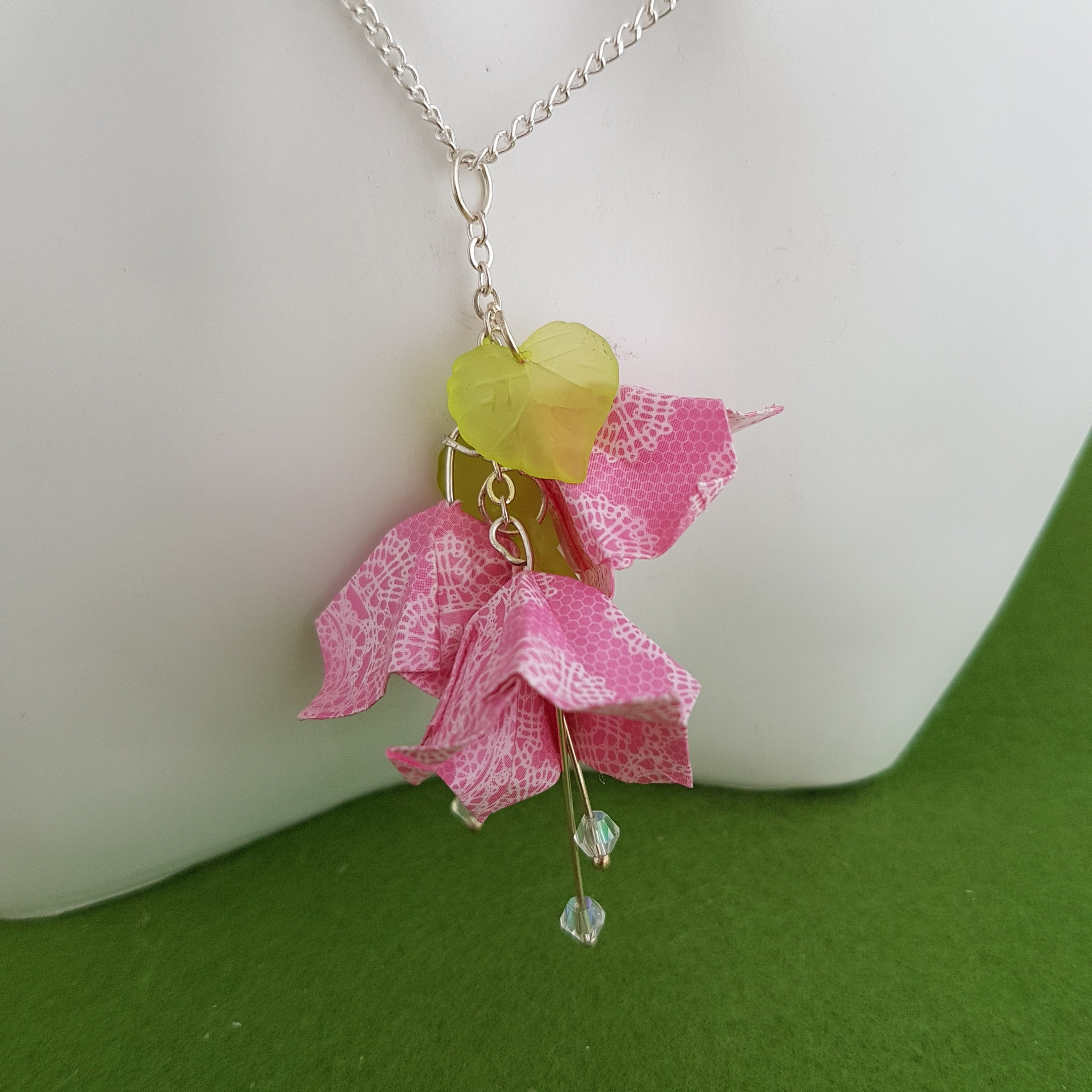 Paper Flower Necklace Tutorial | Diy jewelry inspiration, Paper ... | 3000x3000