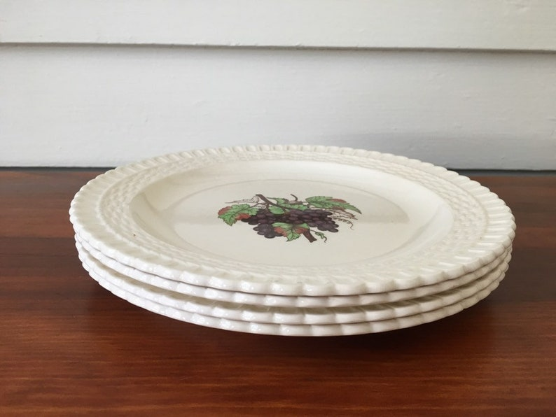 Spode Copeland Grapes Plate England Grape Center Basketweave Embossed Luncheon Plates Set of 4 Purple Brown Vintage Dinnerware S2254