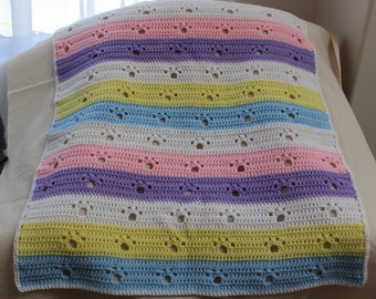 Crochet Baby Afghan in Gender Neutral Colours with Paw Prints