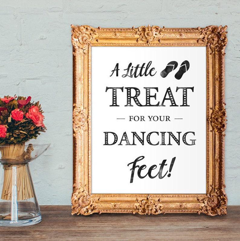 0a5b5a7c255637 Wedding Flip Flops Sign a little treat for your dancing feet