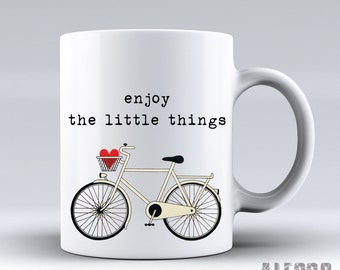 Profitez de ces petites choses - vélo. Tasse de citation. Thé unique une tasse de café. Déclaration de cadeau pour les amateurs de café. Personnalisé - vélo