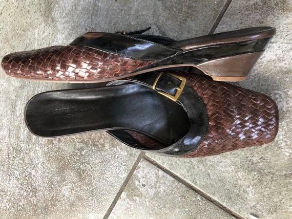 Stunning 1990S BRown/BLack 39 LEather WOven MUles… - image 4