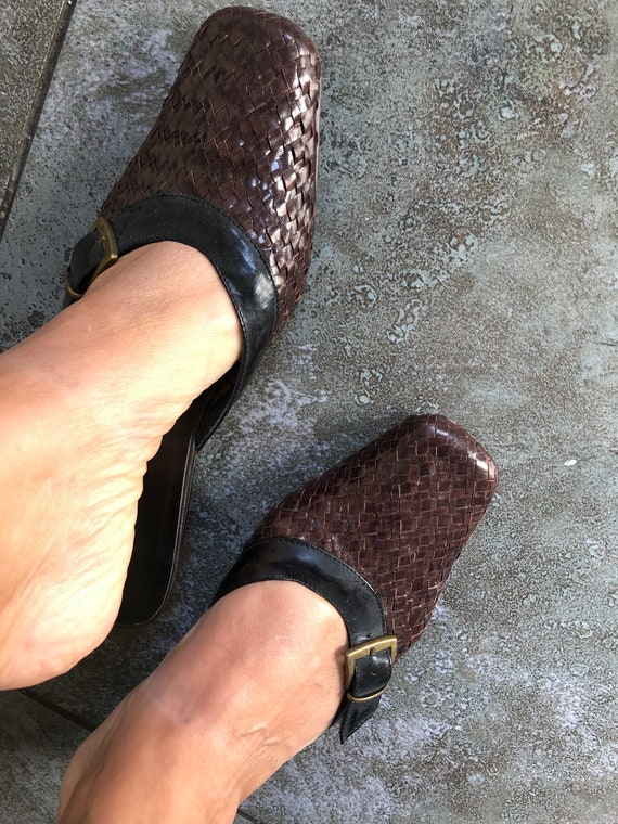Stunning 1990S BRown/BLack 39 LEather WOven MUles… - image 7