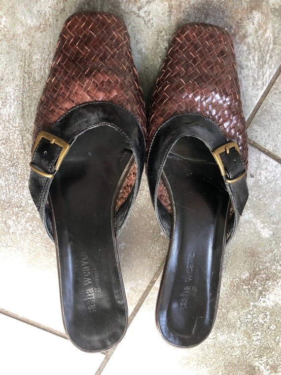 Stunning 1990S BRown/BLack 39 LEather WOven MUles… - image 3