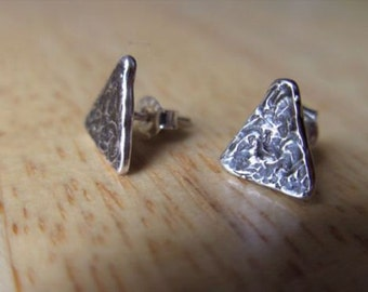 Triangle stud earings,Stud earings,sterling silver,hand made,oxidized earings