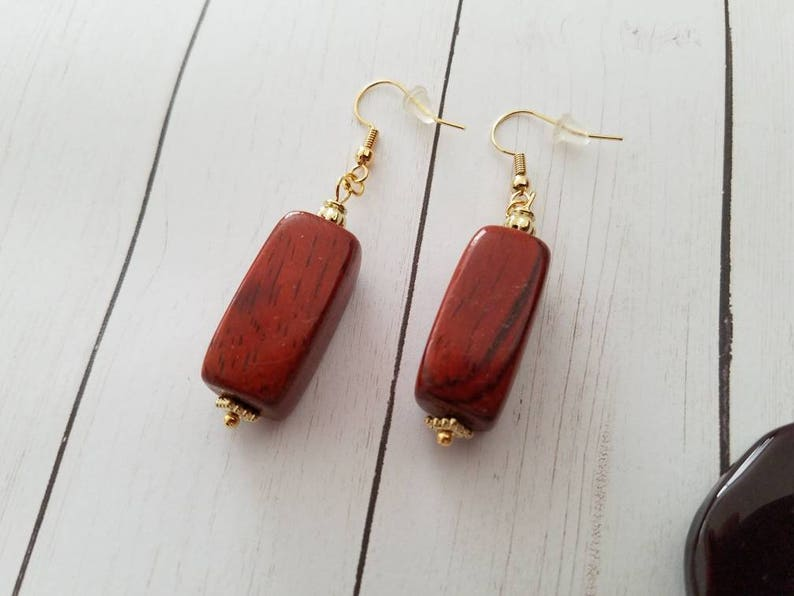 Sale ***  Necklace and Earrings Set Wood Glass Beads Pendant Gold Tone