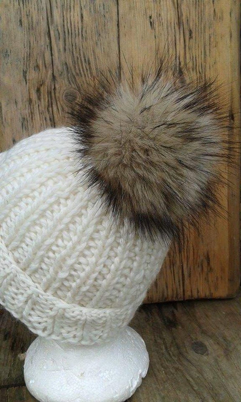 UK fatto. Ricambio Sable visone marrone Faux Fur Pom Pom  e5c58ba48fc4