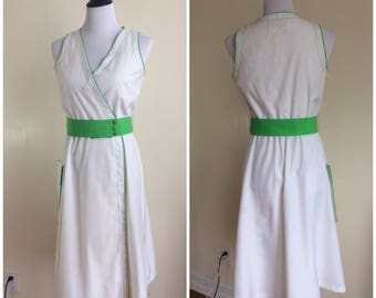 Vintage 80s Caron Petite Chicago Sundress   1980s White and Green Tennis Dress   Sporty Faux Wrap Dress with Green Belt Size 10
