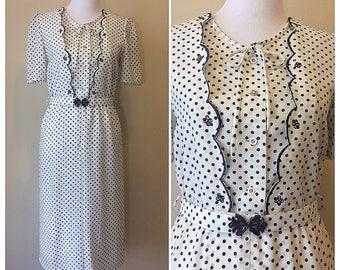 Vintage 80s Bey Polka Dot Dress   Short Sleeve Knee Length White and Blue Dot Dress Size 11