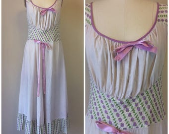 Vintage 50s Miss Fashion Sleeveless Berry Print Nightgown   1950s Ankle Length Nightdress Size 36