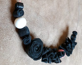 Black Hand-crafted choker in real leather and pink and white ceramic beads