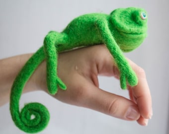 SALE  artist reptile, Eco friendly toy, Wool chameleon, Felted chameleon,Reptile, Toy Felt,Needle Felted Animals,Birthday gift,Home décor