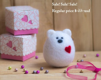 SALE SALE Valentine's Day White Bear Needle Felted Animal Unique Gift for Her Nursery Decor Waldorf Toys Love Heart Christmas Gift for Her