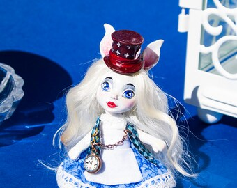 Alice's Adventures in Wonderland-doll-handmade-polymer clay-movable-tale