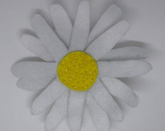 Daisy Flower Cat Toy with catnip/valerian