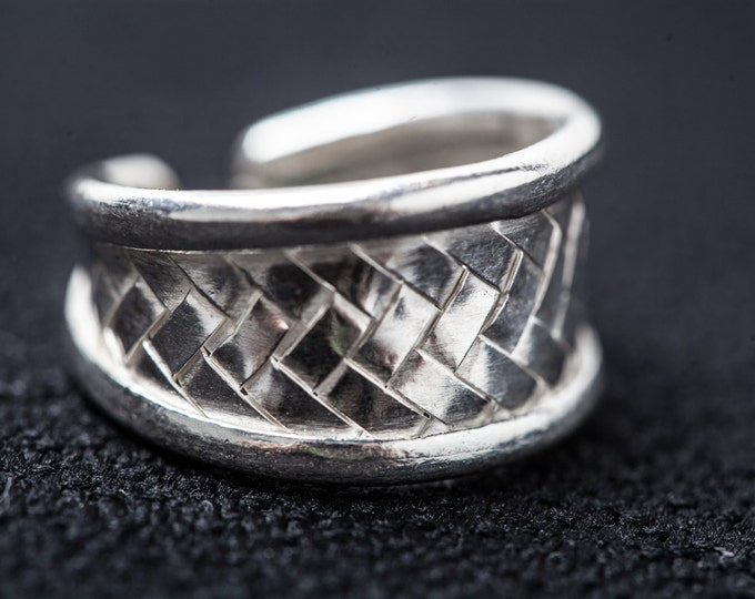 Simple Knotwork Ring - Real wove silver - not cast - unisex - men and women
