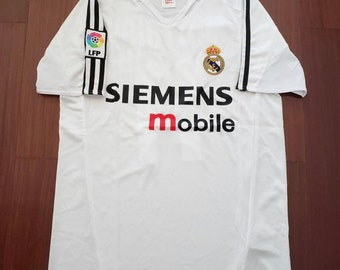 3dc4ee66992 New retro Real Madrid  04-05 vintage Soccer jersey.(R.Carlos