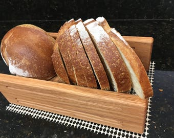 """Loaf Width 5 1/2""""  Slice Thickness 1/4+1/2+3/4""""  Oak Horizontal Bread Slicing Guide  Anti Slip Mat  Protective Oil Finish  FREE SHIPPING"""