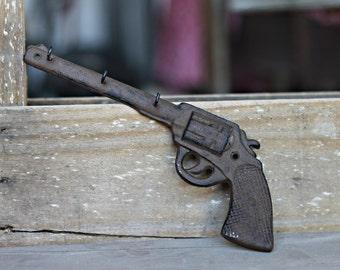 Cast Iron Gun Pistol 3 Hooks