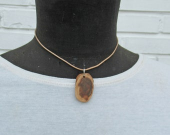 Chain pendant made of a tree bead, sustainable wooden pendant,