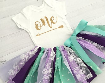 Mint and Purple/Lavender Birthday Outfit, Baby Girl Birthday Outfit/Arrow Bodysuit/Purple and Mint Fabric Tutu/Shirt with Age