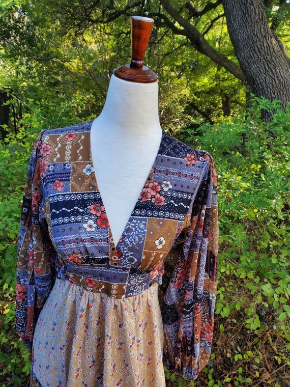 Vintage 70s maxi dress XS small patchwork floral … - image 3