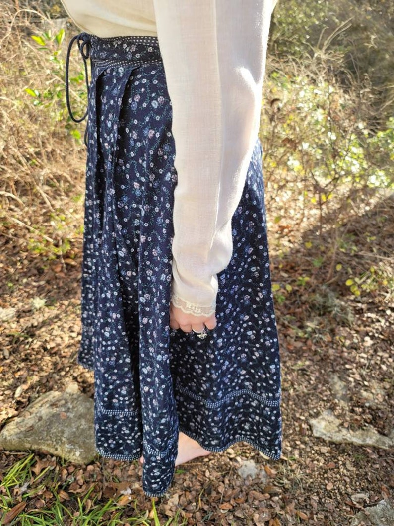 Vintage Gunne Sax Skirt 13 Medium Navy Blue Floral Midi Skirt Corset Skirt