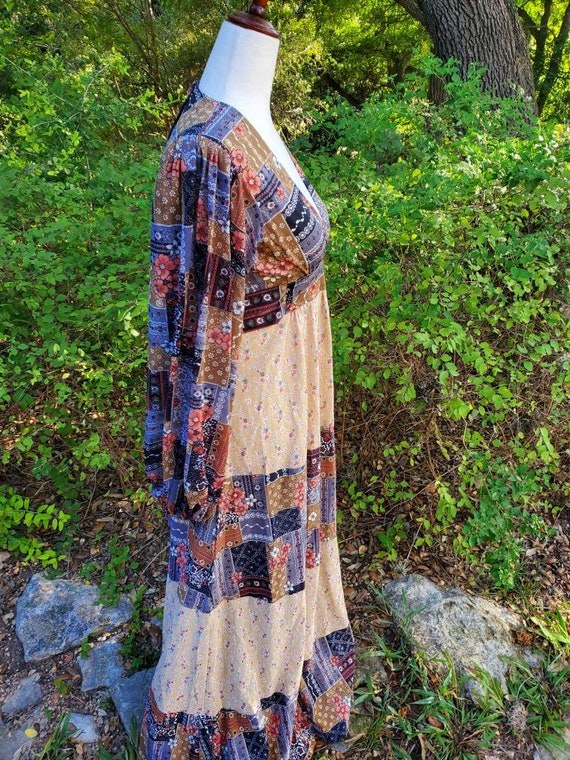 Vintage 70s maxi dress XS small patchwork floral … - image 4
