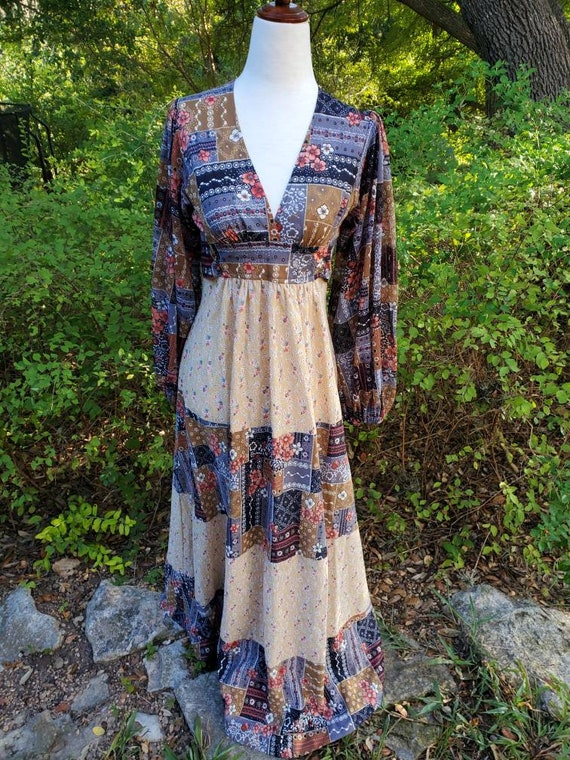 Vintage 70s maxi dress XS small patchwork floral … - image 2