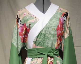"Green & white kimono-style top with tie Size 12 (34"" 87cm bust)"
